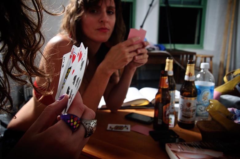 video-razdevanie-poker